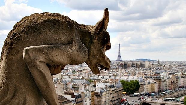 """""""Queimou tarde"""", diz bispo goiano sobre Catedral de Notre Dame"""