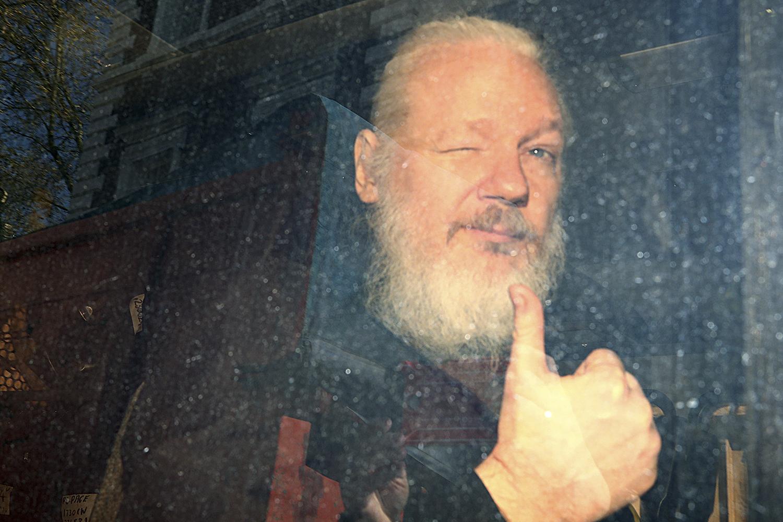 Se Julian Assange é culpado, os jornais que lhe deram crédito são inocentes?