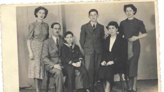 Pai e filho sobreviveram juntos a cinco campos de concentração nazistas