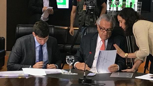 Diferente do País, Goiás admite mais profissionais que demite