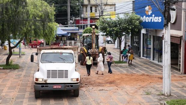 Comerciantes da Rua do Lazer sofrem impactos após primeira semana de revitalização