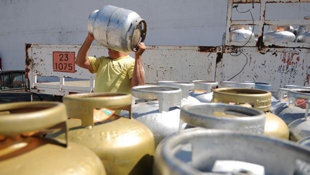 Gás de cozinha tem aumento de 5% e pode chegar a R$115 para consumidor