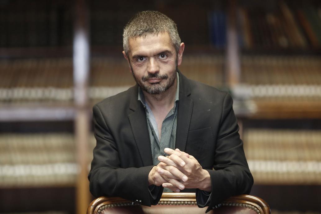 Morre de câncer o escritor argentino Leopoldo Brizuela, aos 55 anos