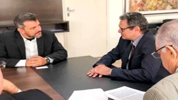Prefeito de Jataí visita Codego para debater melhorias para o município