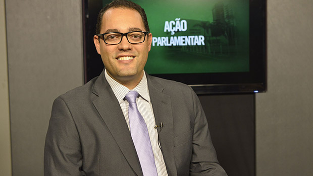 Deputado Virmondes Cruvinel pede ao governador Caiado que apoie os artistas de Goiás