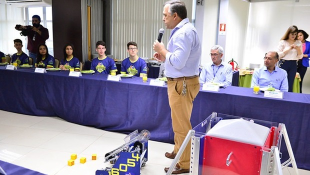 Sesi Goiás recebe investimentos na área de robótica