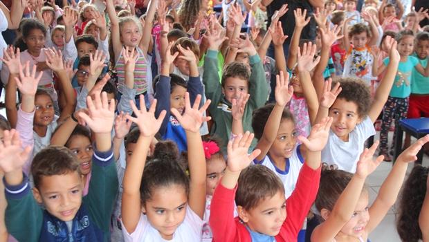 Apresentação de circo e distribuição de brinquedos: Confira programação para o Dia das Crianças em Goiânia