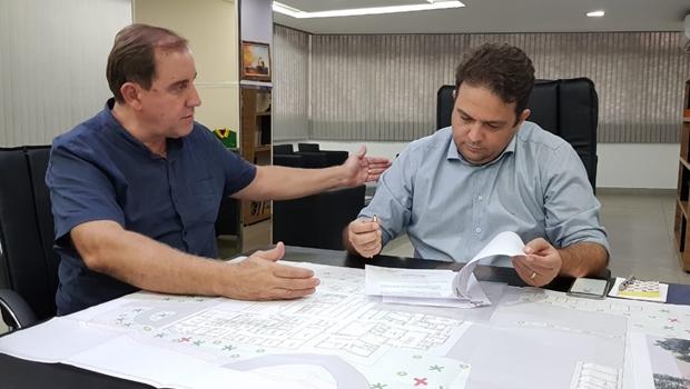 Roberto Naves celebra construção de nova unidade da maternidade Dr. Adalberto