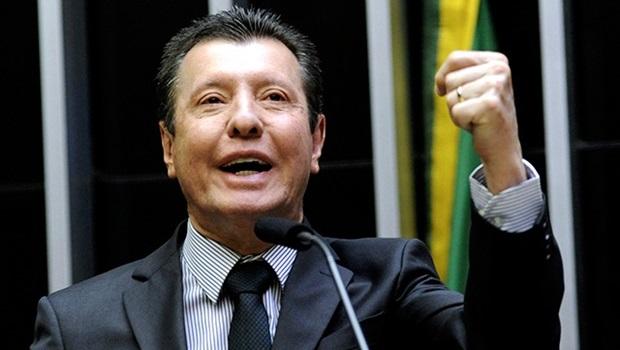 """""""Faço uma cobrança pública para que o STF tenha juízo e não jogue o Brasil no abismo jurídico"""", diz Nelto"""