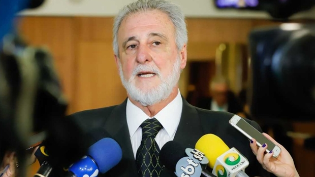 Governo anuncia medidas de desburocratização para micro e pequenas empresas