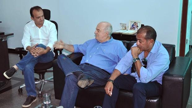 Ridoval Chiareloto e Joaquim Maia, prefeito de Porto Nacional