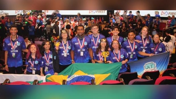Equipe de robótica formada por alunos e professores do Sesi conquista 1º lugar no Aberto da Ásia