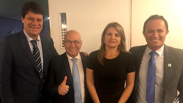 """Prefeitos buscam apresentação de """"PEC Filhote"""" na tentativa de incluir municípios na reforma da Previdência"""