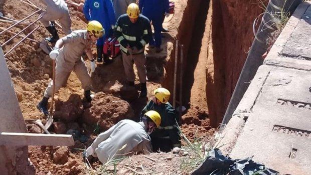 Após soterramento de trabalhador, proprietário do imóvel é autuado por exercício ilegal da profissão