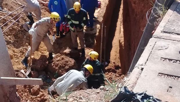 Homem é soterrado após queda de muro em Goiânia