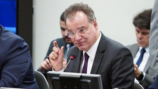 Comissão especial deve votar relatório da Previdência nesta quinta