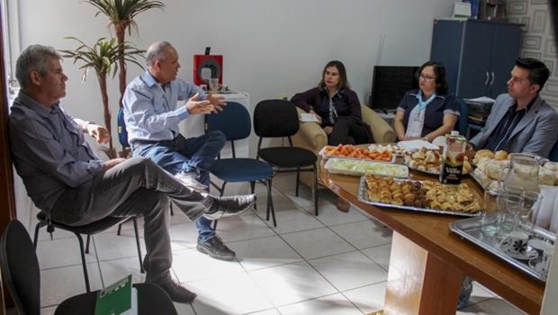 Modelo de gestão previdenciária, Issa recebe Senador Canedo para discutir ações