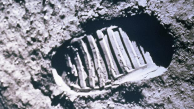 pegada de 50 anos na lua