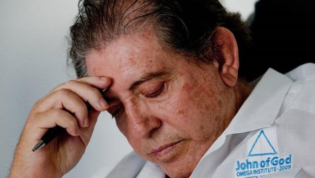 """Após sofrer """"pré-infarto"""", João de Deus é internado em hospital de Aparecida"""