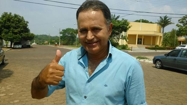 Prefeito de São Miguel do Araguaia renuncia e vice assume gestão do município