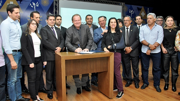 Governo do Tocantins projeta aplicação de recursos com municípios