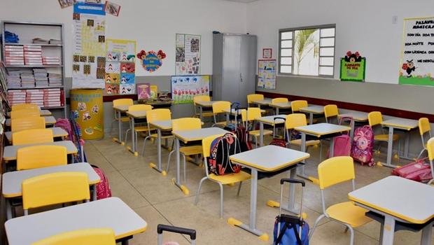 COE recomenda que aulas presenciais sejam mantidas com 30% da capacidade