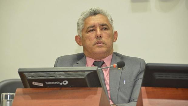 Cleiton Cardoso solicita iluminação fotovoltaica na Ponte FHC