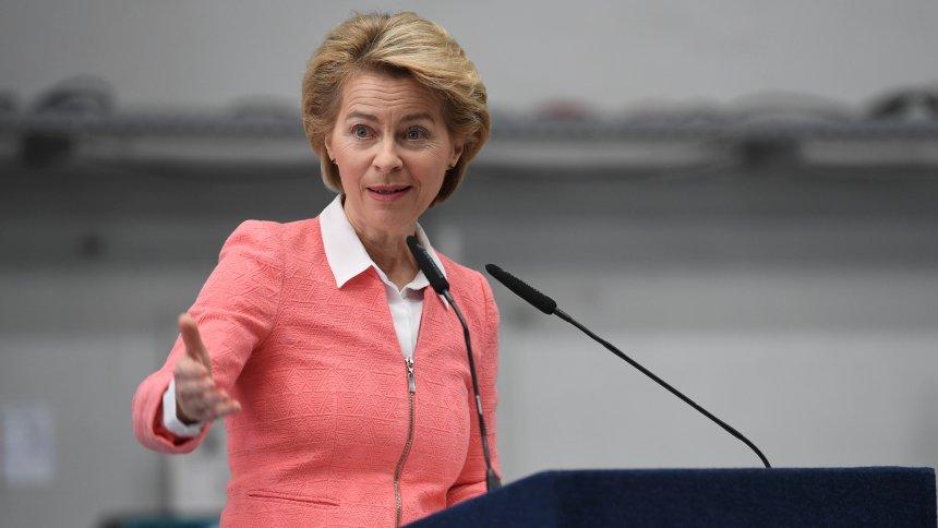 Ursula von der Leyen apresenta a sua equipe para o novo comando na Comunidade Europeia
