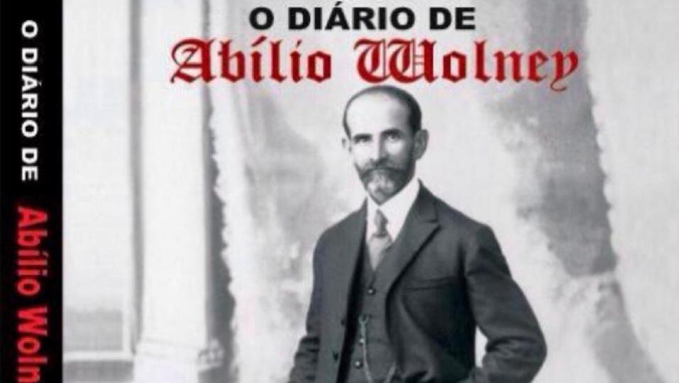 Juiz Abílio Wolney ministra palestra sobre seu livro e obra de Bernardo Elis na UBE, em Goiânia
