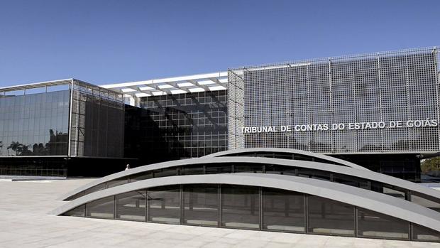 TCE aponta indícios de irregularidades em folhas de 2018 do Estado