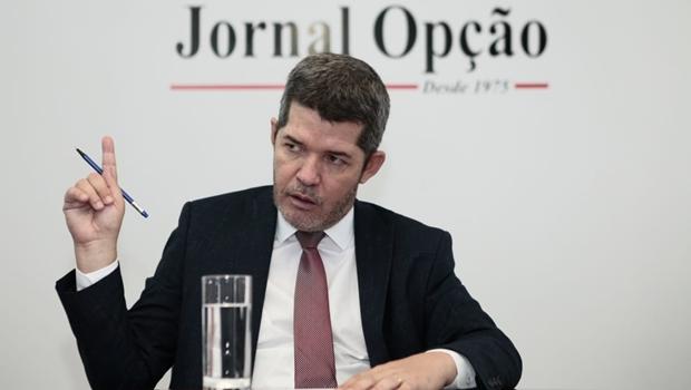 Delegado Waldir pede investigação e prisão preventiva de Lula