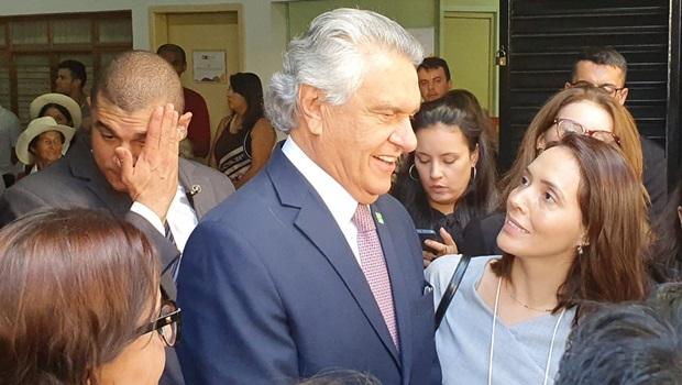 Ao lado de Michelle, Caiado diz que acusações contra Bolsonaro são calúnias