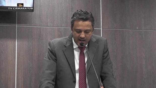 Vereador de Itumbiara afirma que há clima pela manutenção de afastamento do prefeito