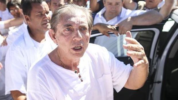 """Revista Veja diz que João de Deus faz """"milagres"""" na prisão"""