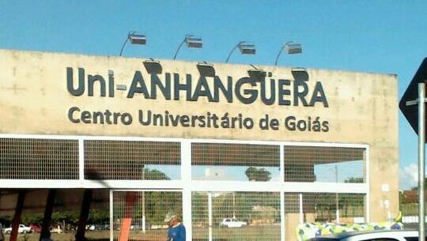 UniAnhaguera aumenta em 25% o valor de disciplinas reprovadas e alunos reclamam
