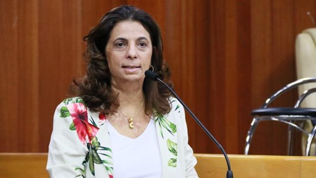 """""""Juristas com quem conversei disseram que tenho total condição de manter minha candidatura"""", diz Cristina"""