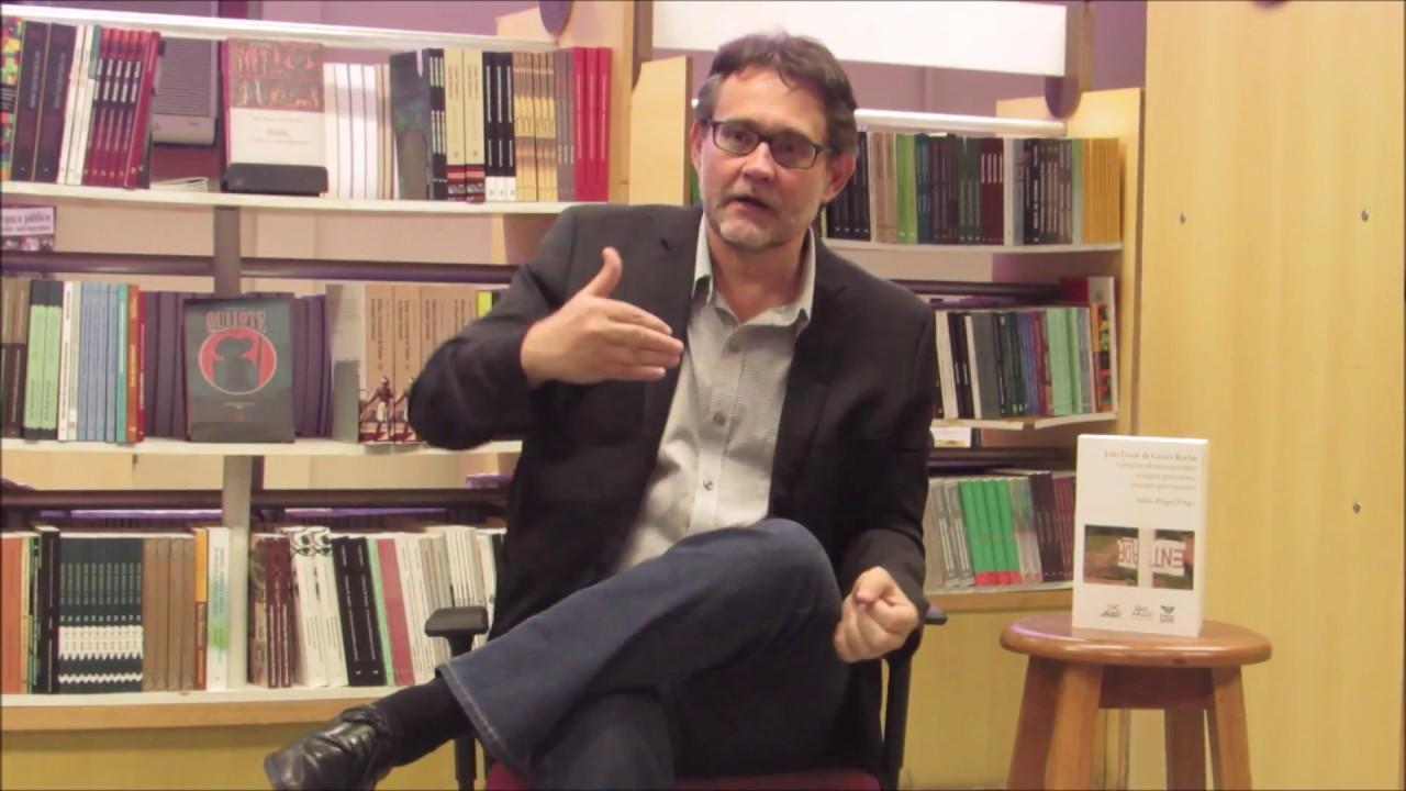 """João Cezar de Castro lança em Goiânia o livro """"Culturas Shakesperianas"""""""