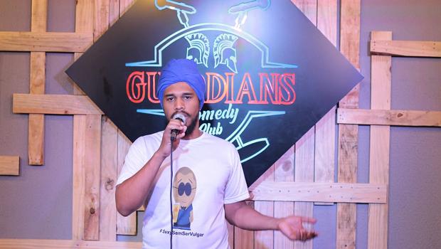 Goiânia tem o único bar dedicado a comédia do Centro-Oeste
