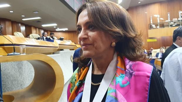 """Gracinha recebe homenagem na Câmara: """"É um sentimento de orgulho, honra e responsabilidade"""""""