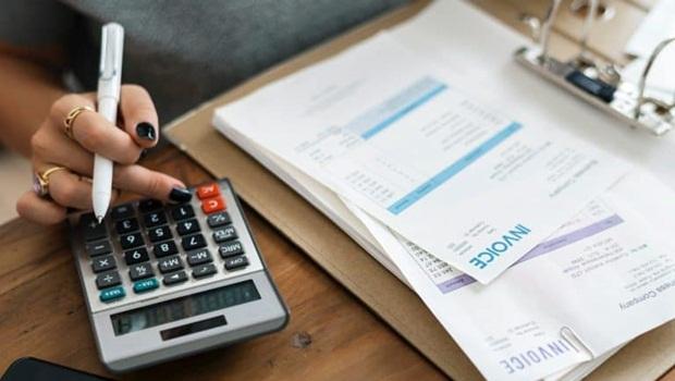 Saiba como funciona o pagamento do 13º salário e confira dicas de como usá-lo
