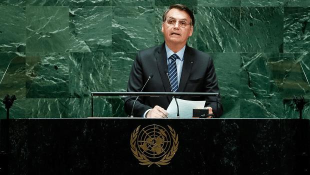 Paradoxo da política: Bolsonaro é autoritário mas faz governo democrático