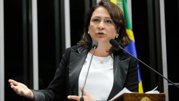 Kátia Abreu afirma que vai votar contra retorno das aulas presenciais
