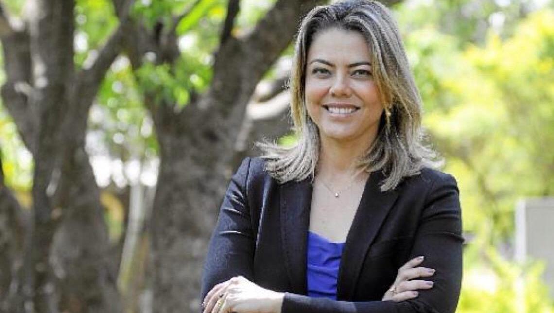 Leila do Vôlei hoje é mais forte do que Ibaneis Rocha em Brasília