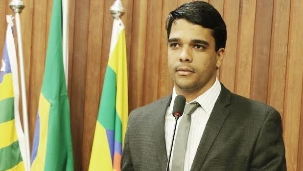 Atuação de Marden Júnior é elogiada pelo Secretário municipal de Habitação de Trindade