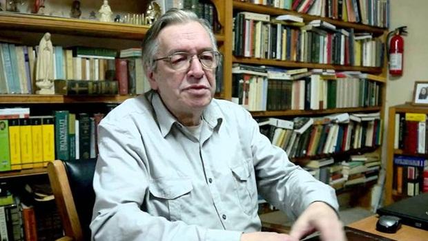 Olavo de Carvalho, guru de Bolsonaro, está internado nos Estados Unidos