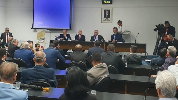 """Clima esquenta na CPI e relator pede que presidente da Adial Brasil """"respeite a Assembleia"""""""