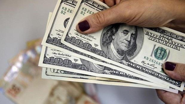 Real é o nono que mais desvalorizou ante o dólar dentre 44 moedas emergentes