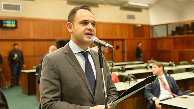Deputado quer regulamentar deslocamento e tratamento de animais em petshops
