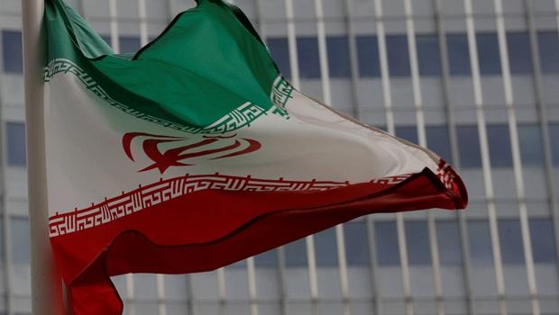 Bolsonaro afirma que pretende manter relações comerciais com o Irã
