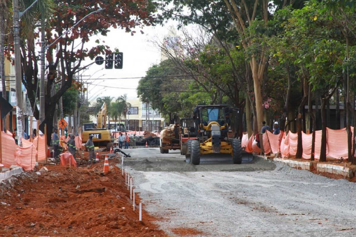 Obras na rede de drenagem devem interditar Avenida Oeste por três semanas